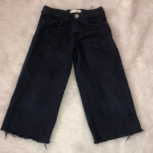 5 pocket distressed cropped pants